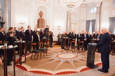 Adalbert Díjjal jutalmazták dr. Kónya Imre rendszerváltoztató munkásságát - a kitüntetést a német államfő nyújtotta át