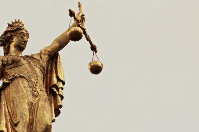 A bírósági dolgozók illetményemelésének hasznát elemezte az OBH elnöke