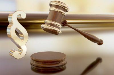 A bíróság a szakvélemények közötti ellentmondást a bíró értékelő tevékenysége keretében, mérlegeléssel nem szüntetheti meg