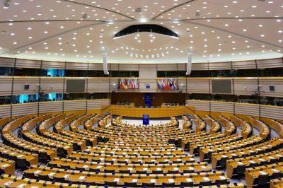 A jogállamiság fokozott ellenőrzésére van szükség az EB első alelnöke szerint