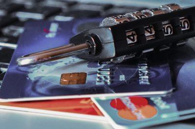 A kártyabirtokosoknak is van teendőjük a szigorúbb ügyfélazonosítás miatt