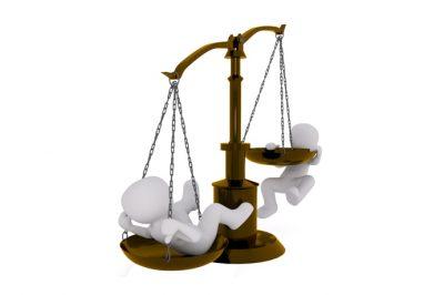 A munkaügyi bíráskodás egyik legfőbb célja a munkáltató és a munkaadó közötti ideális egyensúlyi állapot fenntartása