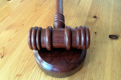 Április 19-ig alkalmazandóak az eltérő bírósági eljárási szabályok
