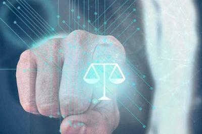 Az algoritmusokkal támogatott jogi döntéshozatal kérdései