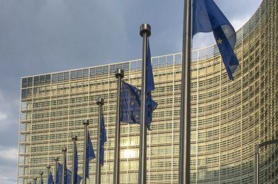 A magyar szakszervezetek az EB-hez fordult a munkatörvénykönyvének módosítása miatt