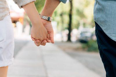 Az élettársaknak is érdemes formalizálniuk kapcsolatukat – tanácsolja a közjegyző