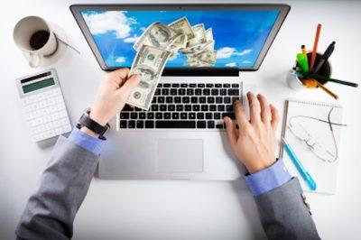 Online kereskedelem - a GVH nagyítója alatt