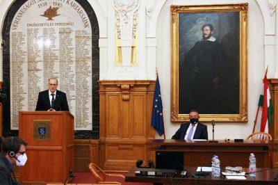 A jogrendszer a közbizalomra épül, ami szoros összefüggést mutat a bírói függetlenségbe vetett hittel – Dr. Darák Péter kilenc év kúriai elnöki munkájának tapasztalatairól