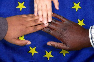 EU: Lejárt az idő! - Erős szolidaritási pillérrel jön a migrációs paktum