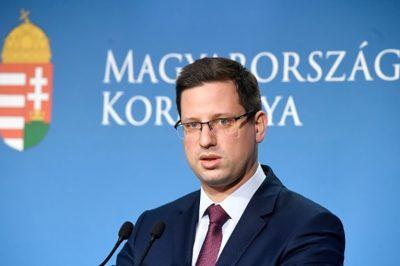 KORONAVÍRUS - Hogyan kell az ügyvédeknek értelmezni a korlátozott kijárásra vonatkozó rendelkezést? Megnyugtató tartalmú azonnali kormányválasz a MÜK-nek