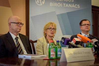 Lesz-e bírói életpályamodell? - Soros elnökváltás az OBT-ban