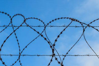 """Harminc milliárd forintot kap a BM a börtöntelítettség csökkentésére - akár """"mobilbörtönnel"""" is  – Az MHB is reagált"""