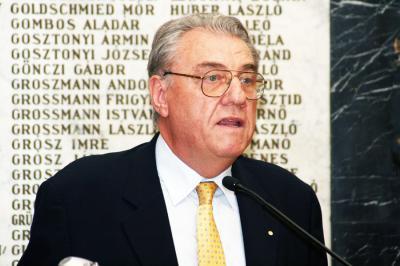 Elhunyt dr. Herjeczki János