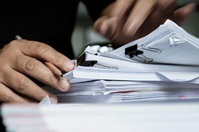 Kutatás ügyvédi irattárban? - Szövegértelmezés szülte bonyodalmak - Mit mond a gyakorló ügyvéd?