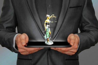 Miként reagáltak a hazai bíróságok és más hivatásrendek a korlátozásokra?