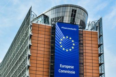 Minősített többségi szavazásra térne át az adópolitika egyes területein az EB