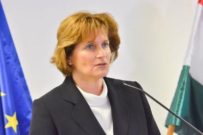 Miniszteri biztost kapott a családi csődvédelem