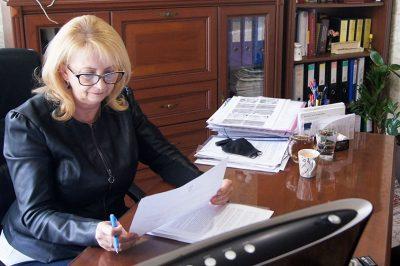 NŐK A PÁLYÁN – Sorozatunk hazai ügyvédnőkről – Dr. Szekrényes Gabriella, Hatvan: A nehézségekre megoldandó feladatként tekintek
