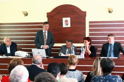 KORONAVÍRUS – Ügyvédi összefogás a veszélyhelyzetben élő emberekért – Dr. Becker Tibor a Komárom-Esztergom megyei akciójukról