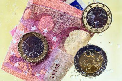 Tovább szigorítja a pénzmosás elleni szabályokat az EU