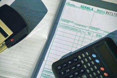 Továbbra is lehet papír alapon számlázni, kézi számlatömböt használva