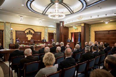 A mai ügyvédi hivatásrend szinte már semmiben sem azonos a harminc év előttivel - a MÜK elnökének helyzetelemzése szerint