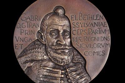 Koszorús Ferenc amerikai magyar ügyvéd kapta az idei Bethlen Gábor-díjat