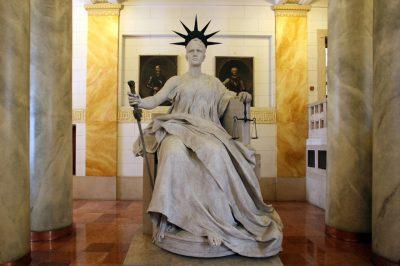 Becsület nélkül nincs igazságszolgáltatás - Gondolatok év végi meditációhoz