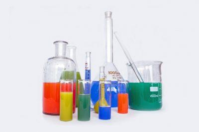 Nehezebb lesz vegyszereket beszerezni a házi készítésű robbanószerekhez – szigorúbb szabályozáson dolgozik az EP