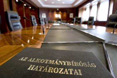 Mulasztásos alkotmánysértés az előzetes bírósági döntéshozatalokkal kapcsolatban - Ab határozat