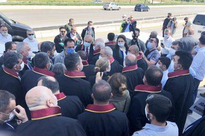 Oszd meg és uralkodj? - Török áfium a török ügyvédség megregulázására? - Országos tiltakozások voltak. Hiába.