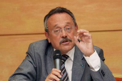 El a kezekkel a védőktől, a politika hagyja békében dolgozni az ügyvédeket! - követeli nyilatkozatában a MÜK elnöke