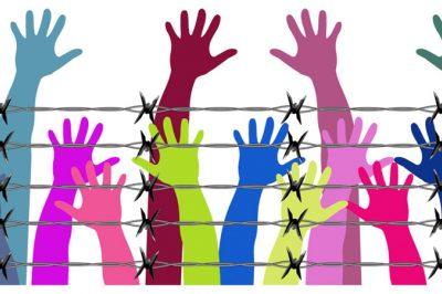 Biztosítani kell az emberi jogok védelmezőinek szabad munkavégzését