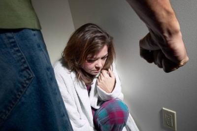 Egy ügyvédnő küzdelmei a családon belüli erőszak ellen