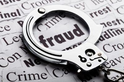 Közokirat-hamisítással vádolnak egy szegedi ügyvédet