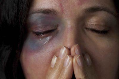Nem jól kezelik a párkapcsolati erőszak eseteit a bíróságok - mondja a civil jogvédő egyesület