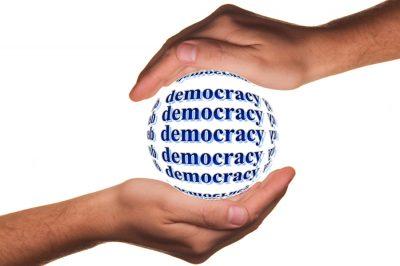 Kérdések vetődtek fel a demokráciával kapcsolatban