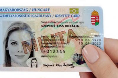 Elindult az elektronikus személyazonosító igazolvánnyal történő regisztráció az Ügyfélkapun