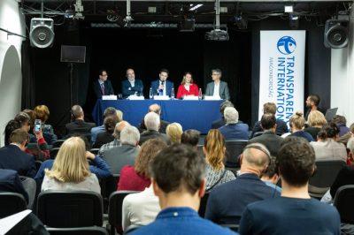 """""""Az egyedüli fegyverünk a nyilvánosság"""" – TI konferencia beszámoló"""