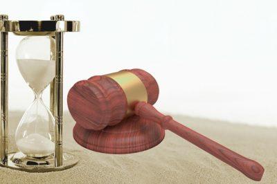 Elhalasztják a Közigazgatási Bíróságokról szóló törvény hatálybalépését - MHB vélemény: továbbra sincs semmi szükség rá