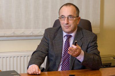 """Kinek a kezében van az """"ügyvédi kamara""""? - Dr. Hidasi Gábor cikke a """"sorosozásról"""""""