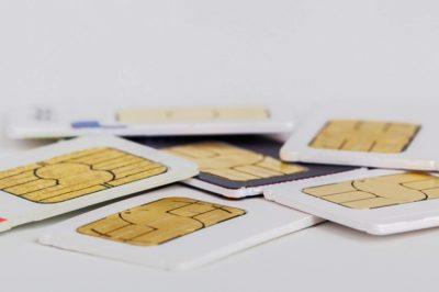 Hivatali visszaélést követ el, aki fogvatartottnak jogellenesen telefon SIM-kártyát juttat - Kúriai határozat