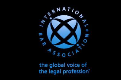Ismerjék el, tartsák fenn és védjék az ügyvédi tevékenységet - sürgeti az IBA az ENSZ tagállamait
