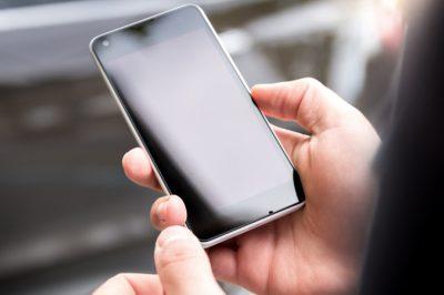 Ingyenes mobilalkalmazás segíti a közügyek intézését