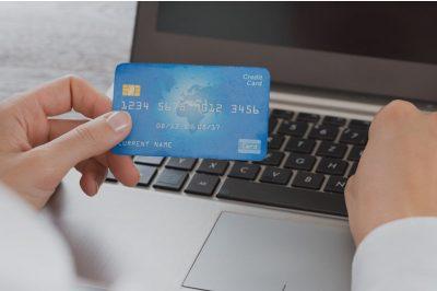 Interneten bankkártyával is lehet majd adót fizetni