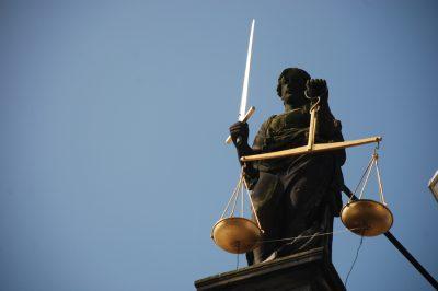 Alkotmányellenes a közigazgatási perrendtartásról szóló törvény - Újra szavazás már akár februárban, az IM szerint