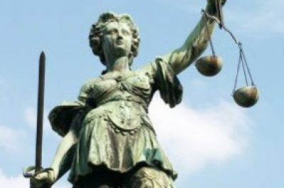 Igazságügyi seregszemle Almádiban