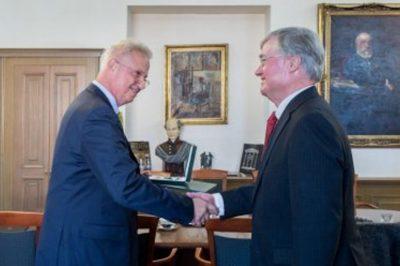 Holland jogászprofesszor kapott magas állami kitüntetést