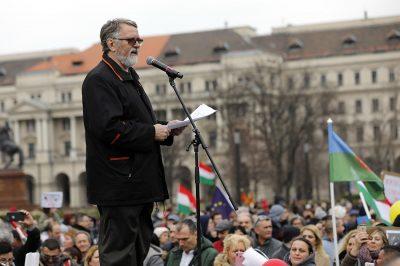 Megdolgozni a munkabérért kell, a kártérítés az jár - Kaltenbach Jenő. - A bíróságokért tüntettek Budapesten