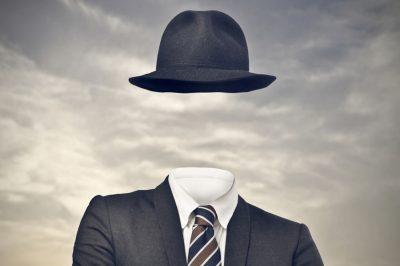 Indoklás nélkül is ki lehet rúgni a vezető munkavállalókat